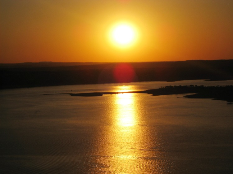 sun-over-lake-travis-0asis-4-21-09